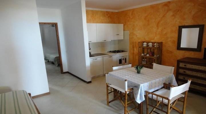 Keuken en eetkamer van Tweekamerappartement
