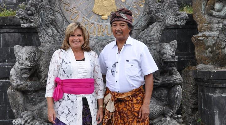 Nellie met haar man op Bali