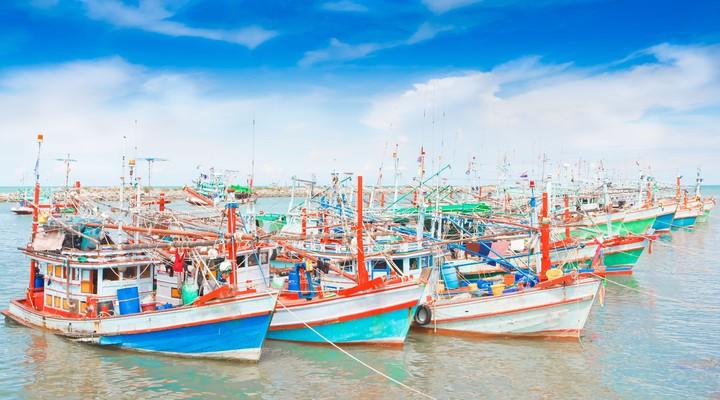 Bootjes in de haven van Cha-Am