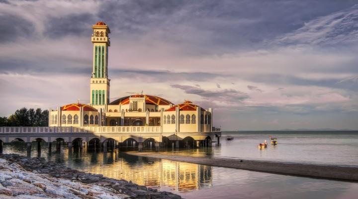De drijvende moskee van Tanjung Bungah, Penang