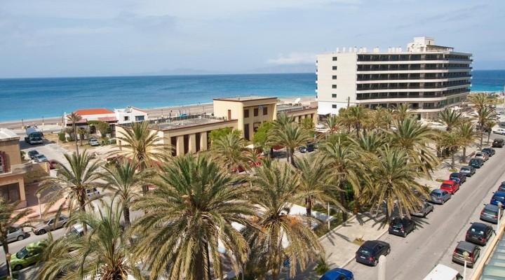 Bovenzicht van het Achillion Hotel