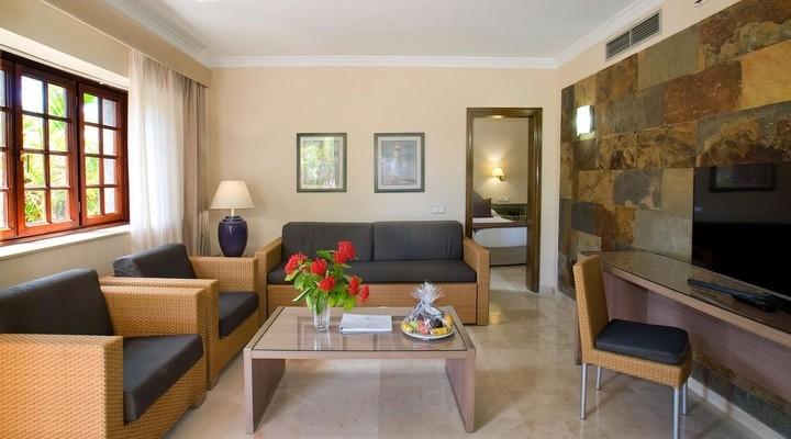 de woonkamer van 4-persoonskamer, Suite