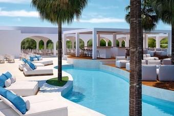 Eerste TUI-hotel op Santorini