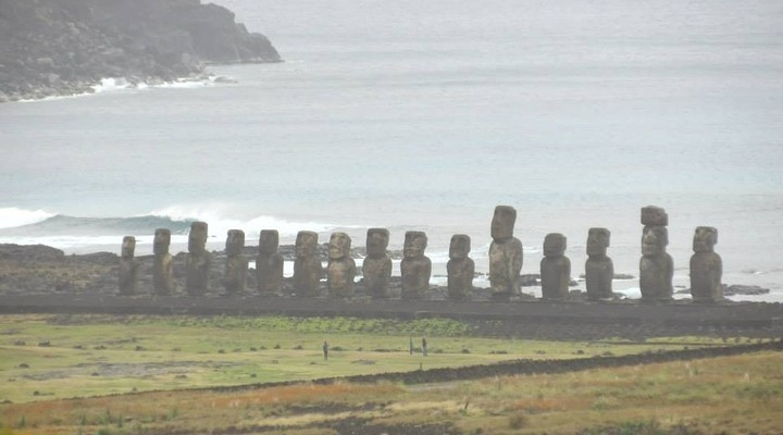 Los doce Moai, Paaseiland