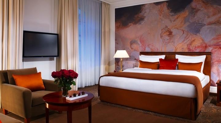 Hotel Vier Jahreszeiten Kempinski kamer