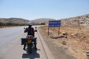 Met de motor door Syrië