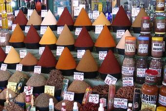 Op marktjes in Marokko kom je veel kruiden tegen
