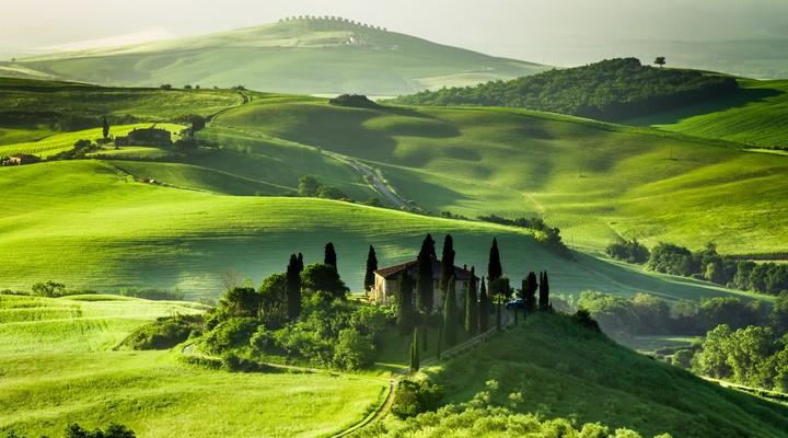 Glooiende landschap van Toscane