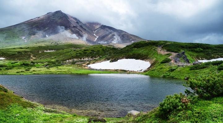Groene bergen in Japan