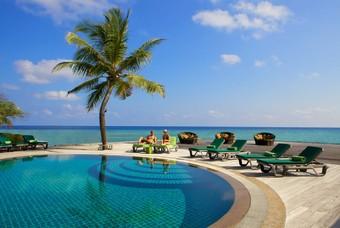 Zwembad Kuredu Island Resort