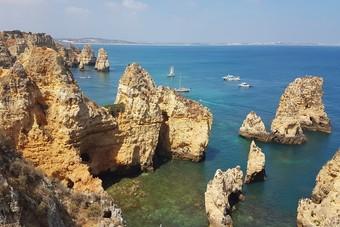 De imposante kust van de Algarve