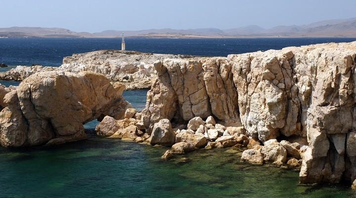 De kliffen bij Fanaraki op het eiland Limnos