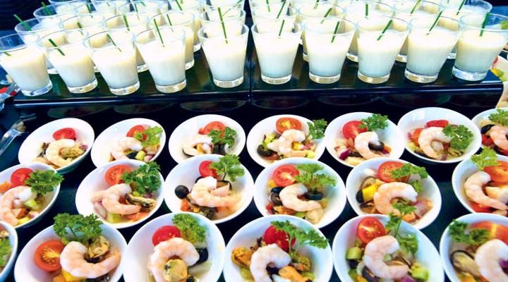 Het buffet van een RIU hotel