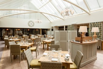 Het restaurant in Oxford Thames Four Pillars Hotel