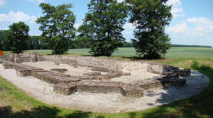 Overblijfselen van een kerk op Schokland