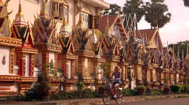 De tempel Wat Sainyaphum in Savannakhet, Laos
