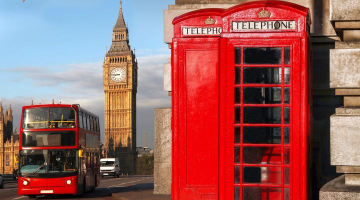 Een dubbeldeksbus, een telefooncel en de Big Ben
