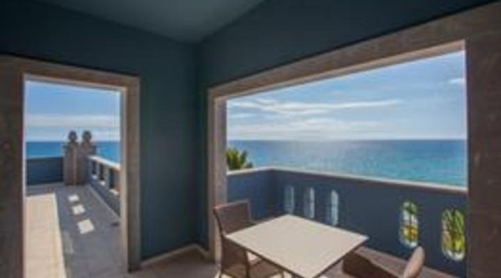 het balkon van 2-persoonskamer, Senior Suite Zeezicht