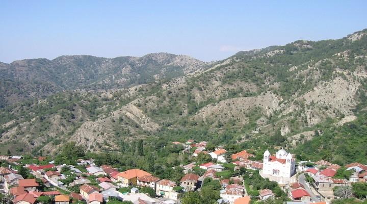 Het bergachtige landschap op Cyprus