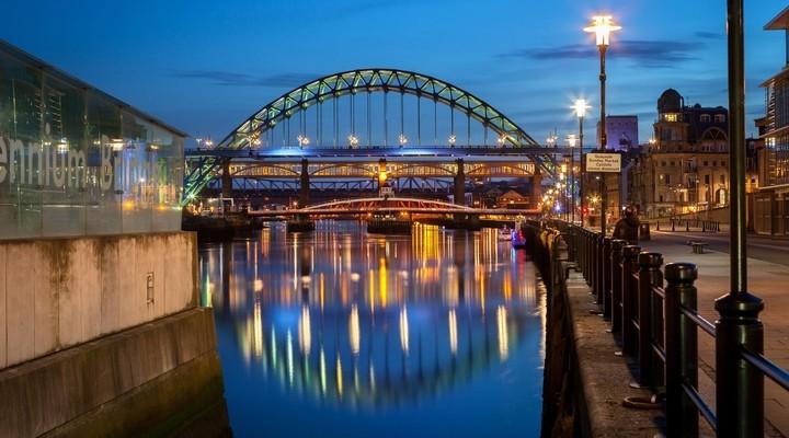 Een van de vele bruggen in Newcastle