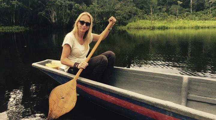 Floortje Dessing in de Amazone in Ecuador