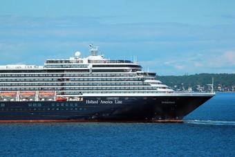Holland America Line vaart met 8 schepen naar Alaska