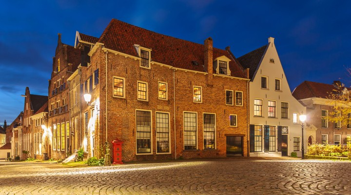 Binnenstad Deventer bij avondlicht, Overijssel