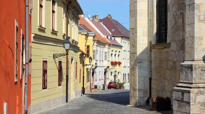 Straatje oude stad Gyor, Hongarije