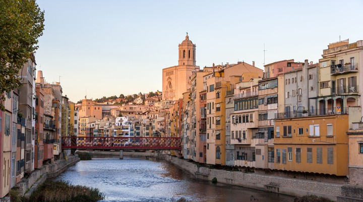 Kathedraal en Eiffelbrug in Gerona - Spanje