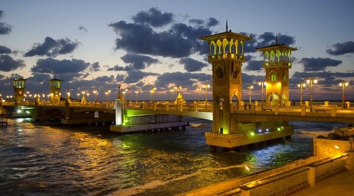 Alexandrië bij nacht, Egypte
