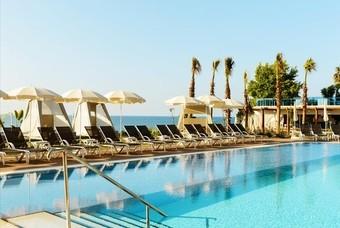 Zwembad Sunprime hotel Numa Beach