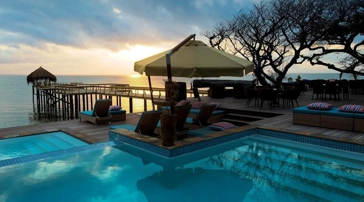 Zonsondergang bij Dugong Beach Lodge
