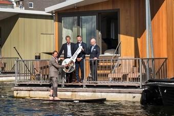 Nieuwe VIP Woonboten bij Center Parcs Marina De Eemhof ingehuldigd