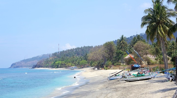 Strand van Senggigi op het eiland Lombok