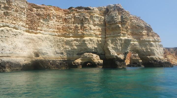 Rotspartij voor Praia da Marinha