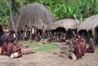Een inheemse stam in Papoea-Nieuw-Guinea