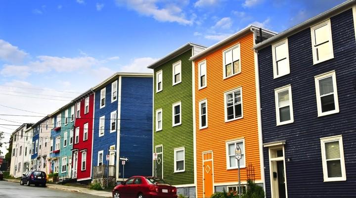 Typisch gekleurde huizen in St. John's