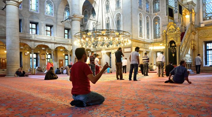 Bidden in de moskee