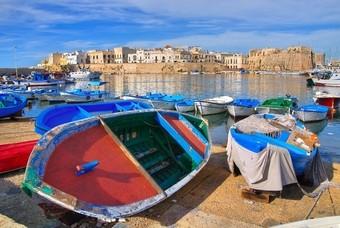 Bootjes bij het havenplaatsje Gallipoli