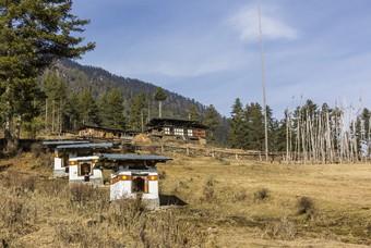 Boerenhuis en stoepa's, Phobjikha vallei