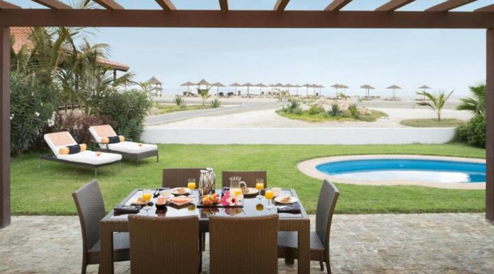 Tuin met privézwembad van Villa met vier slaapkamers