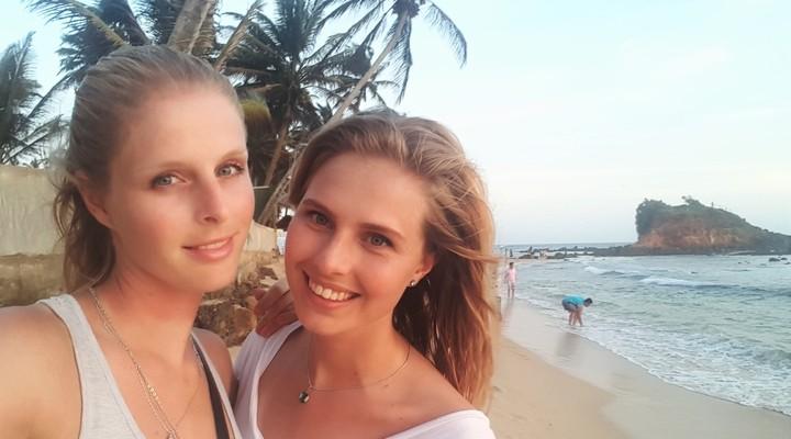 Samen op het strand