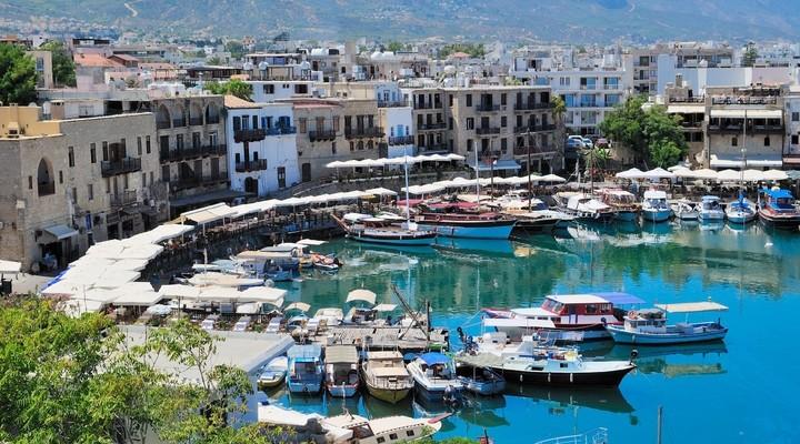 Badplaats Kyrenia op Cyprus