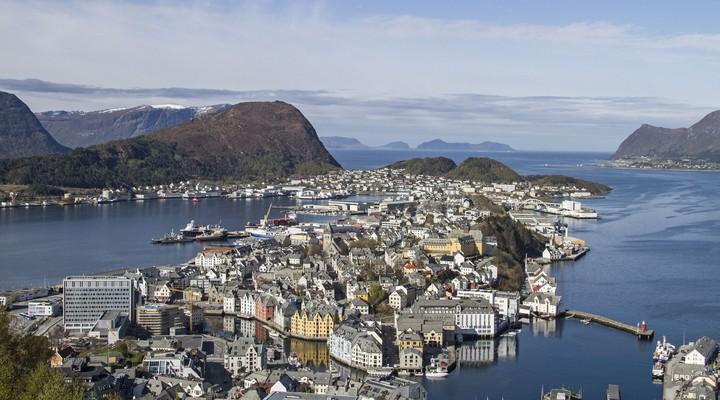 Alesund gezien vanaf berg Aksla, Noorwegen