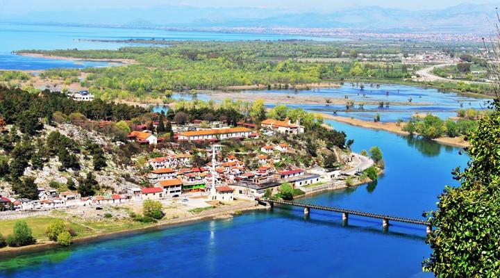 Luchtfoto van Albanië