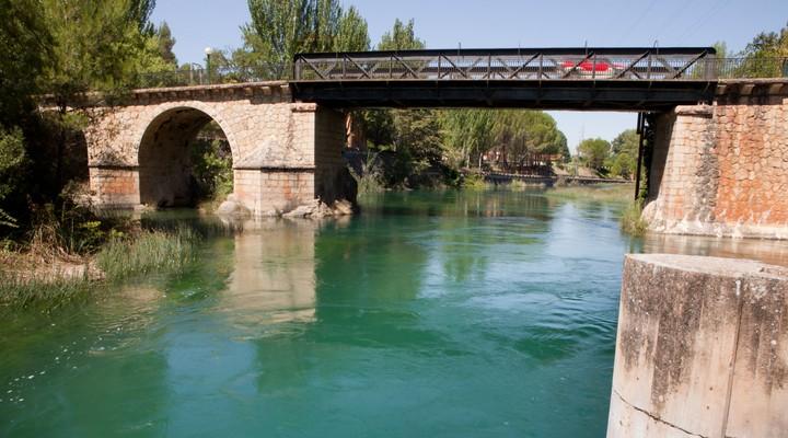Bolarque ijzeren brug in Guadalajara - Spanje