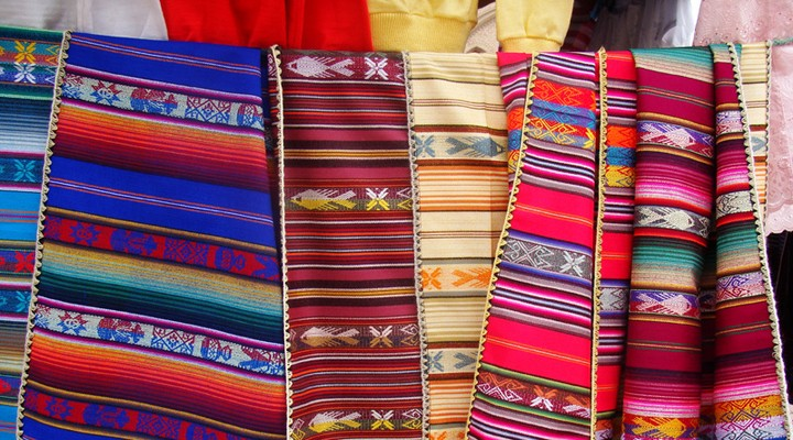 Kleding op de markt in Riobamba