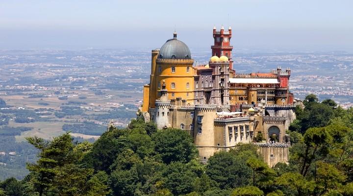 Paleis van Pena met uitzicht op Sintra