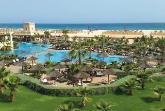Het Hotel RIU Touareg gelegen aan het strand