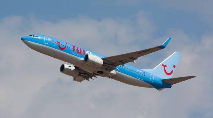 Vliegtuig van TUI fly